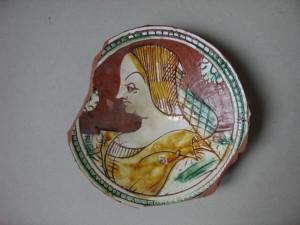 Piatto con busto di dama, graffita, periodo rinascimentale